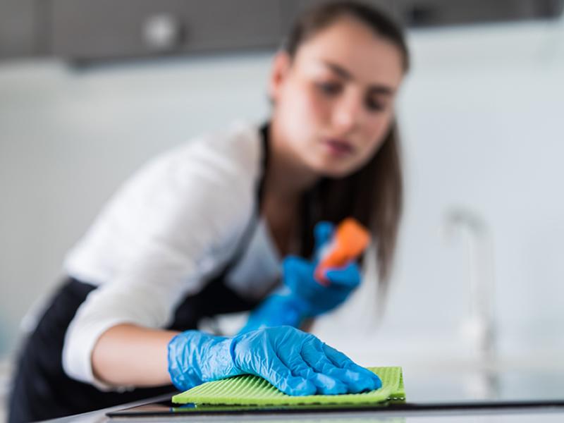 Attrezzi pulizia casa-manutenzion